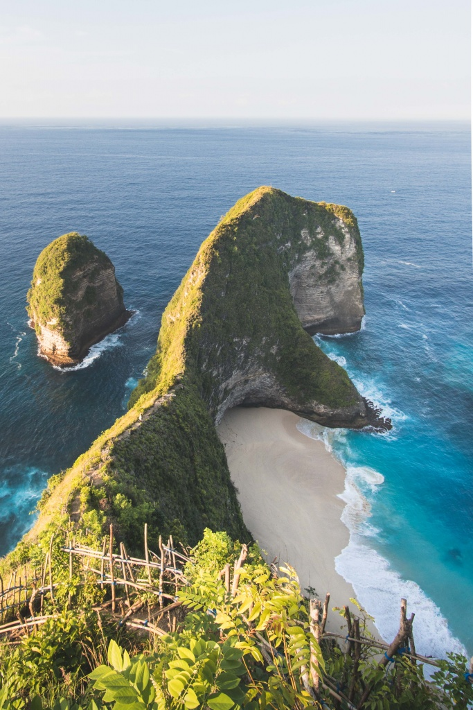 view of the kelingking beach on nusa penida